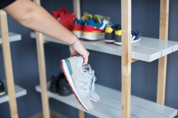 Photo du rangement chaussures à l'accueil Vital'Eau