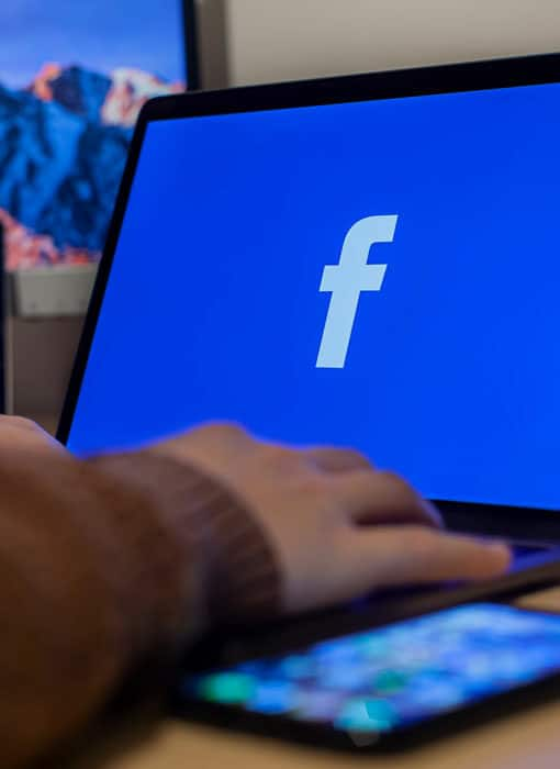 Mise en situation de l'utilisation de Facebook sur un ordinateur